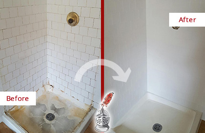 Before and After Picture of a Bloomfield Shower Cleaned to Eliminate Mold